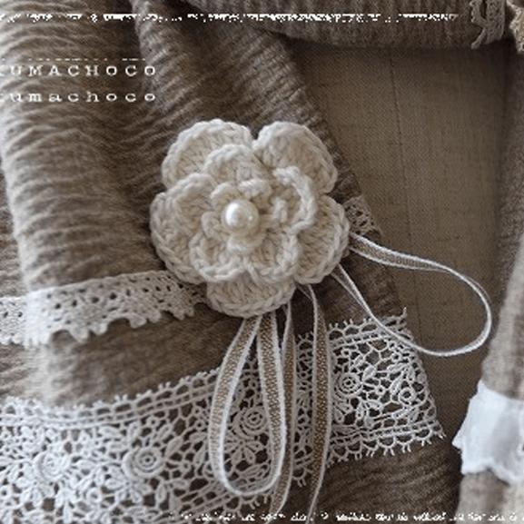 手編みのミニコサージュ♪